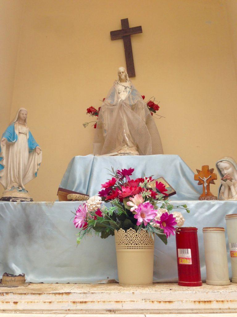 Mini shrine dedicated to the Virgin Mary